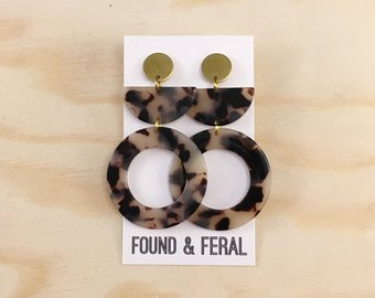 Circle Acetate Earrings Blonde Tortoise
