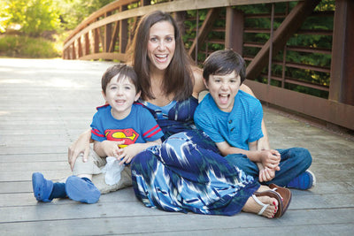 Sari is the Monday Mamapreneur on The Lil' Mamas Blog!