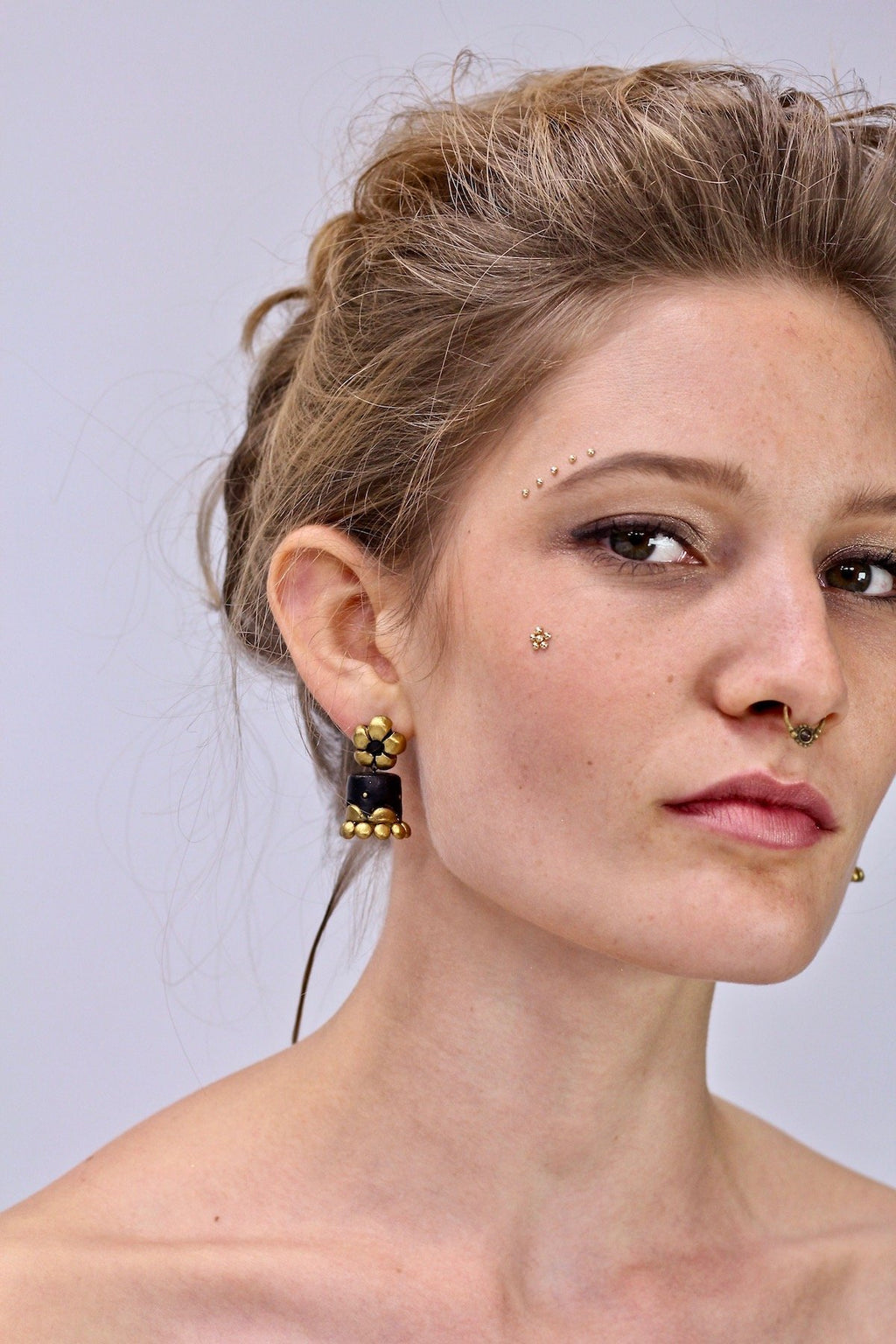 Black Daisy - Boucles d'oreilles - Azaadi, la mode responsable accessible