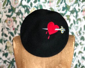 DAGGER THROUGH THE HEART BERET *BLACK