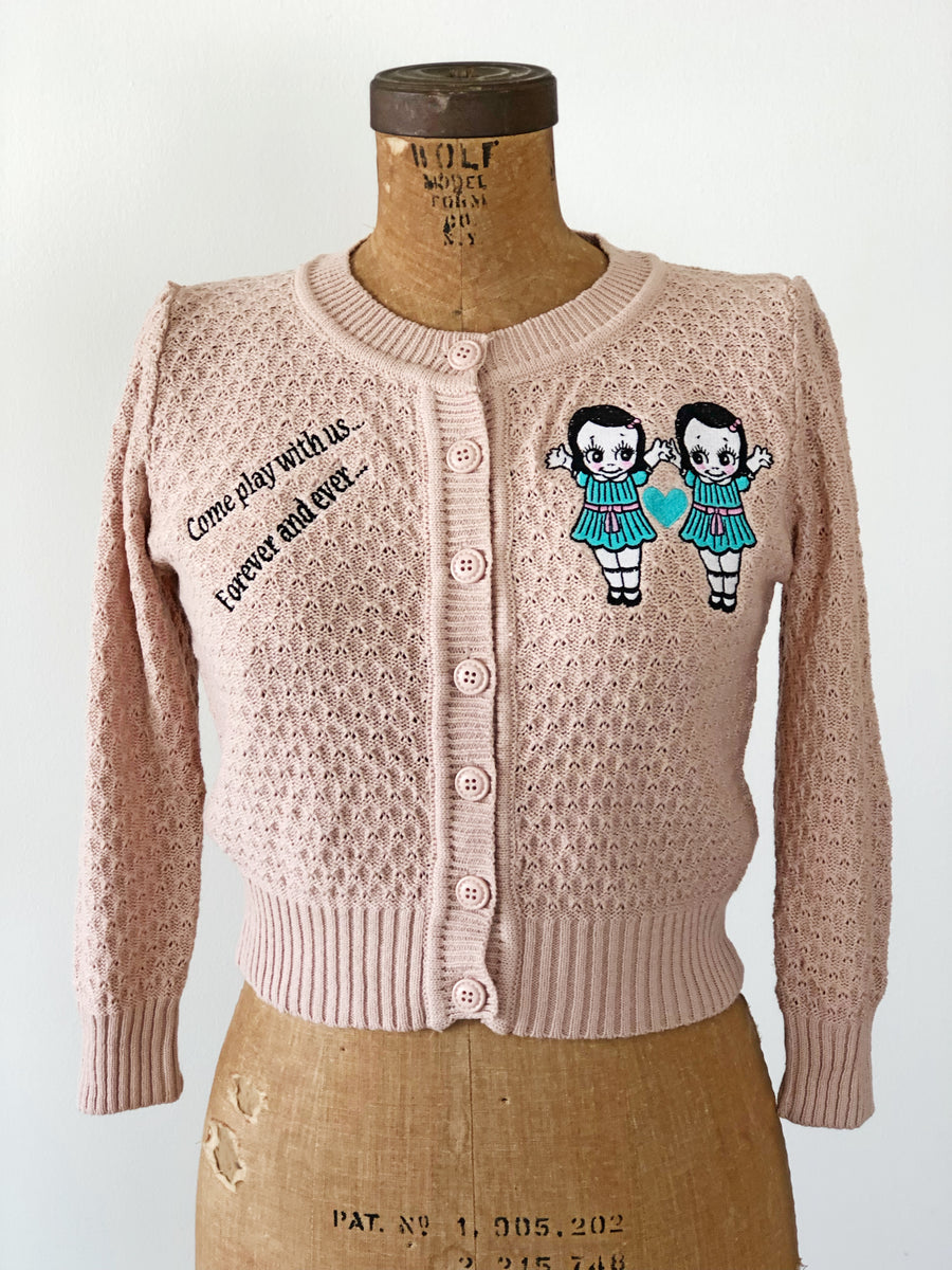 TWINS EMBROIDERY CARDIGAN SWEATER *PINKBEIGE
