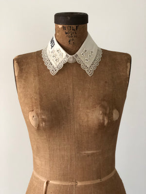 """GIRL POWER"" DETACHABLE COLLAR *ANTIQUE WHITE"