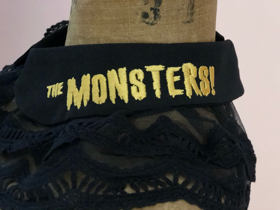 """THE MONSTERS"" DETACHABLE COLLAR *BLACK"