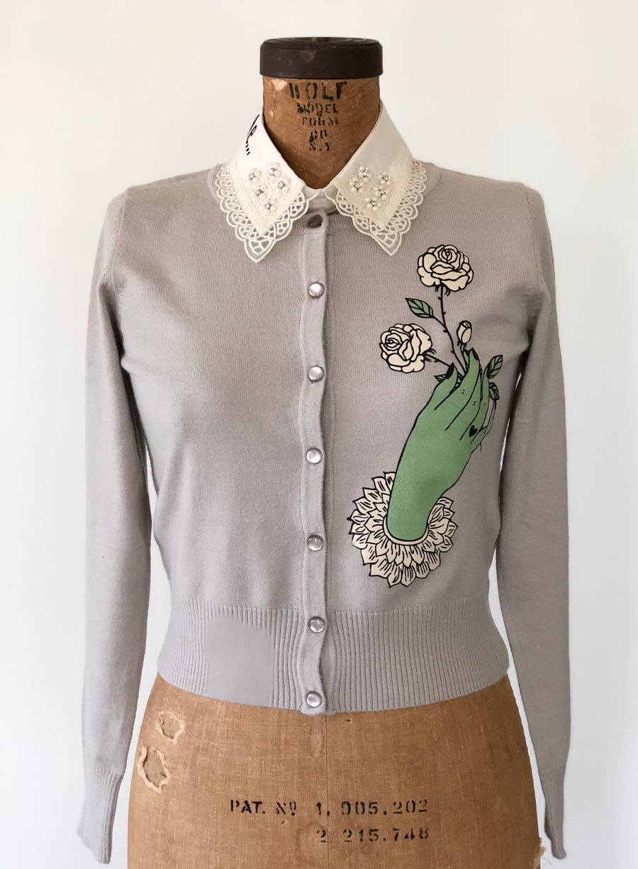 VICTORIAN HAND MOTIF CARDIGAN*LIGHT GREY