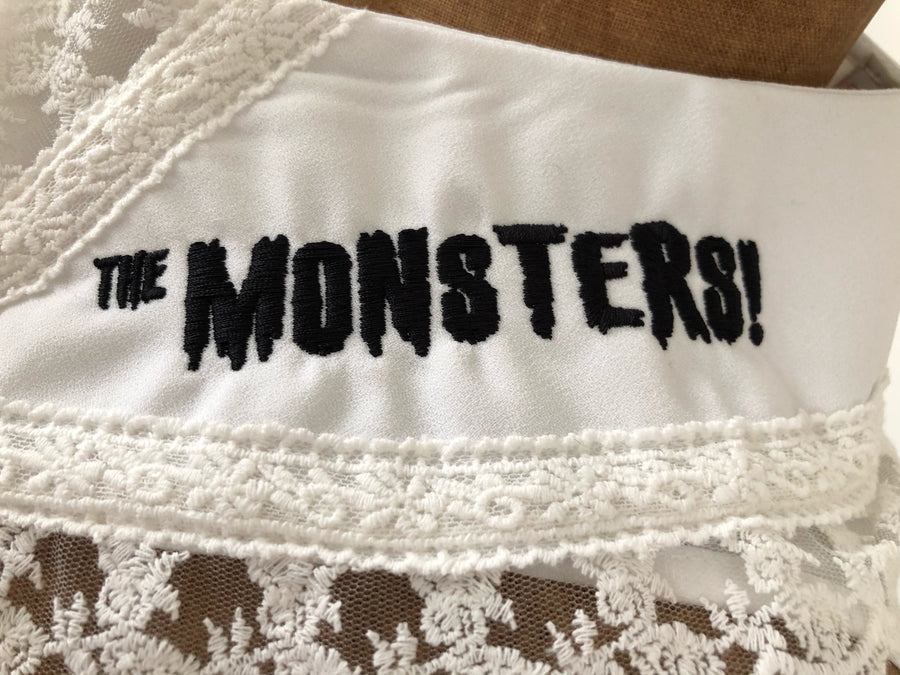"""THE MONSTERS"" DETACHABLE COLLAR *WHITE"