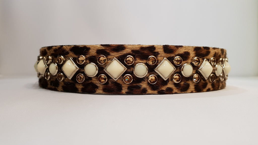 "Leopard Aud S 1"" Collar - Leopard Leather / White Stones & Brown Crystals"