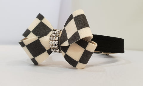 "Windsor Bow Black Microsuede 1/2"" Collar"