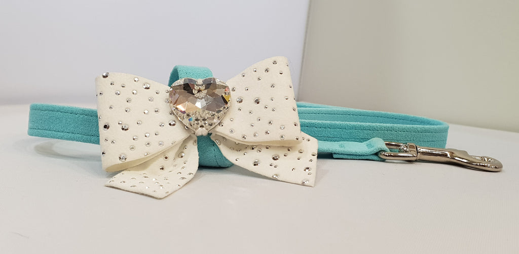 "Tiffany Microsuede 1/2"" x 4' Leash - White Bow"