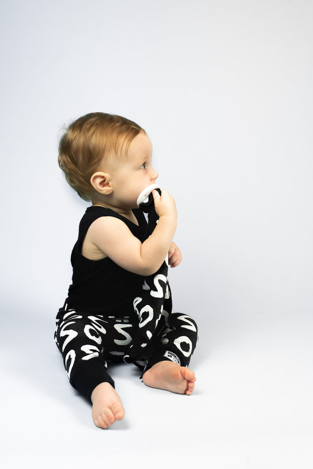 Brooklyn + Fifth Monochrome Collection, a gender neutral of collection of Infant Leggings featuring bold, fun Monochrome prints. Not only are they on trend with the minimalist, modern look, but strong black and white patterns can help babies to develop their ability to focus and concentrate.