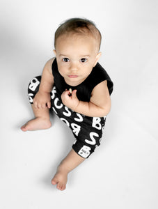 Brooklyn + Fifth Monochrome Infant Shorts Introducing our Monochrome Collection, a gender neutral collection of Infant Shorts, Loveys + Leggings featuring bold, fun Monochrome prints. Not only are they on trend with the minimalist, modern look, but strong black and white patterns can help babies to develop their ability to focus and concentrate.