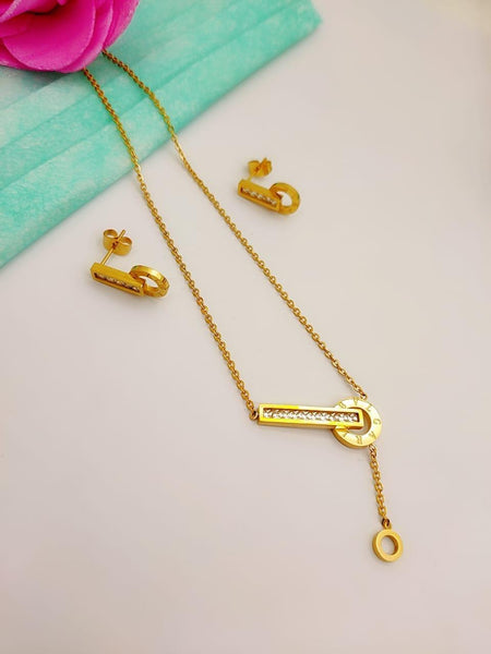 Cartier Designer key pendant necklace with tops/earrings - Liquidation Cart