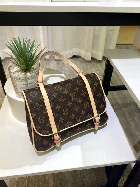 2 in 1 from LV Designer back bag + handbag