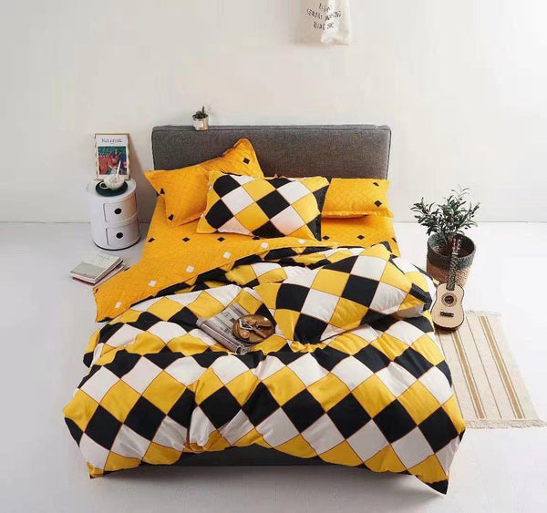 Chequered Print Cotton king size Bed sheet with Duvet Cover and 4 Pillow Case