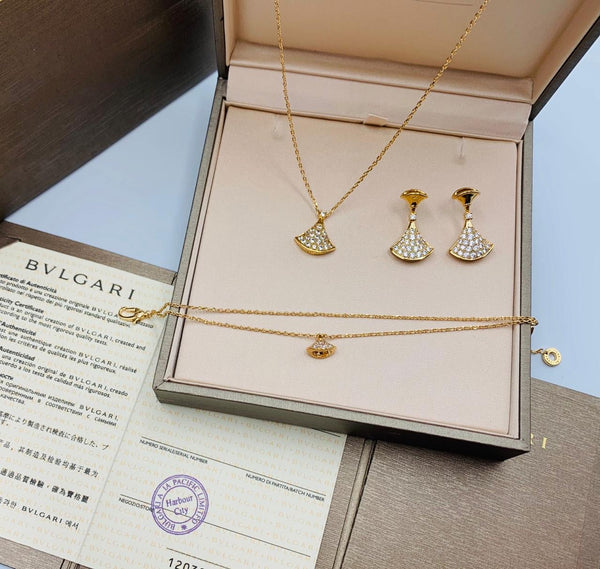 Bvlgari Designer Pendent Chain necklace with Bracelet and tops