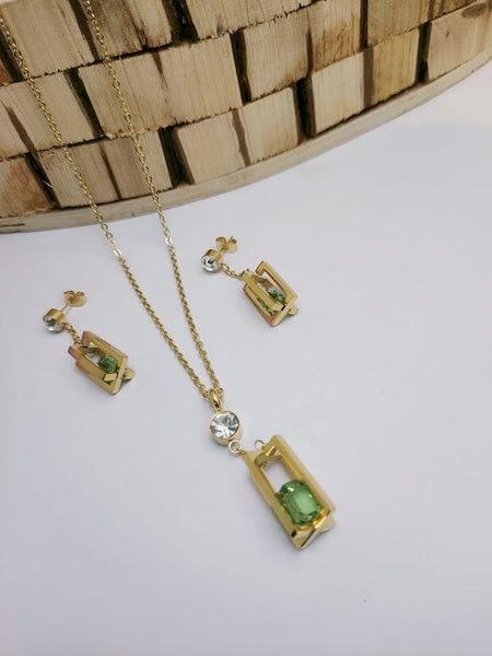 Diamond pendant with tops/earrings
