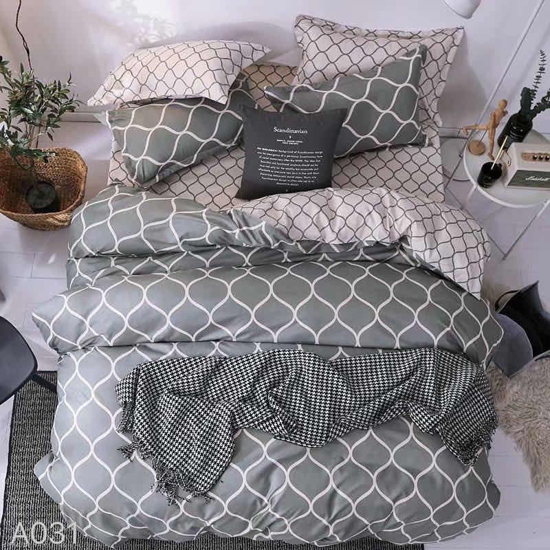 Grey Printed Print Cotton king size Bed sheet with Duvet Cover and 4 Pillow Case