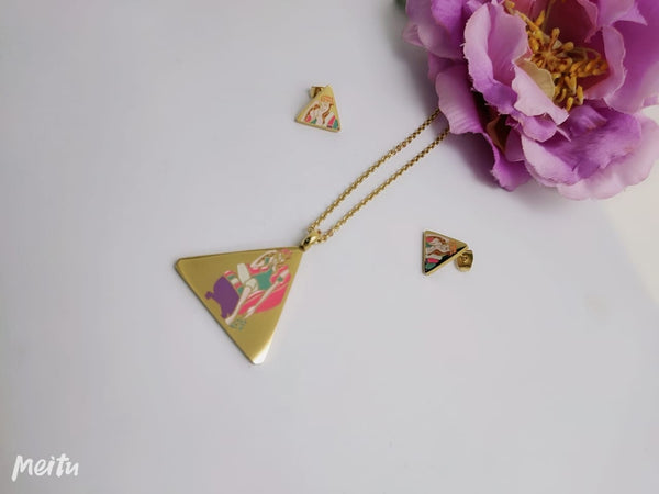 Triangle Pendant Necklace with Tops/Earrings