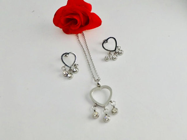 Silver Heart Shaped Pendant Necklace with Tops/Earrings