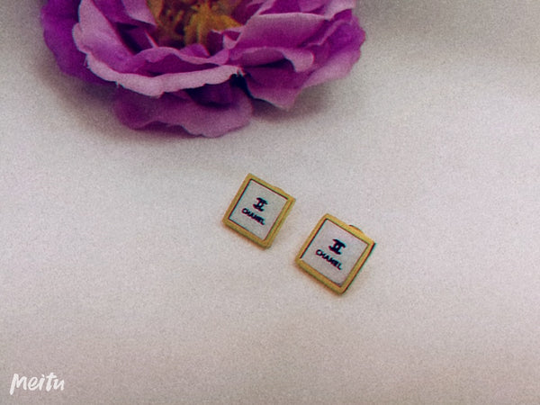 Framed Chanel Logo Designer Tops/earrings