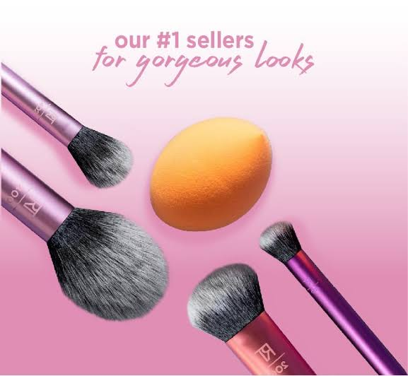 Real Technique brush set with Beauty blender