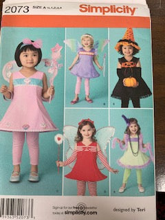 Simplicity Pattern 2073 uncut Children sizes 1/2, 1, 2, 3, 4