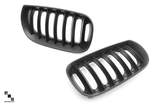 Black Kidney Grilles for BMW E83 X3 (Pre-LCI)