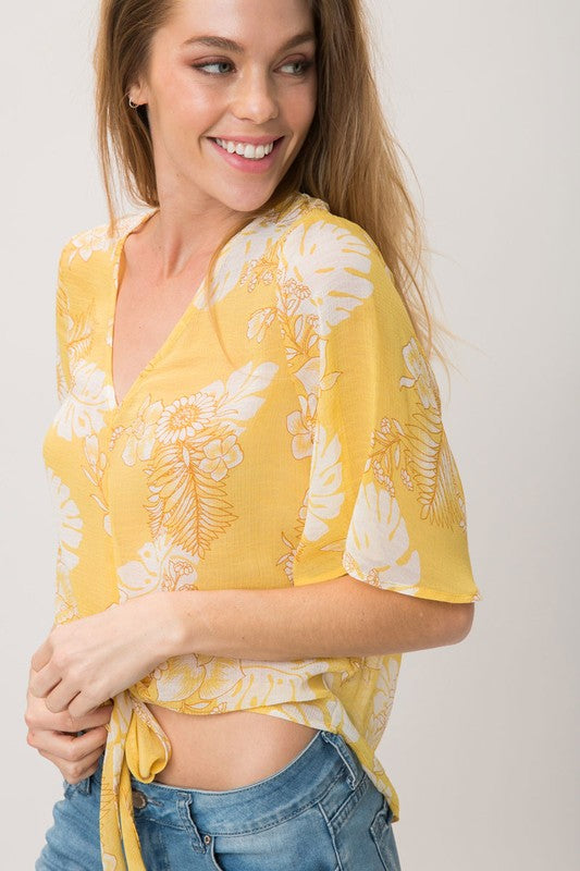 FLORAL PRINT V NECK TOP WITH FRONT TIE