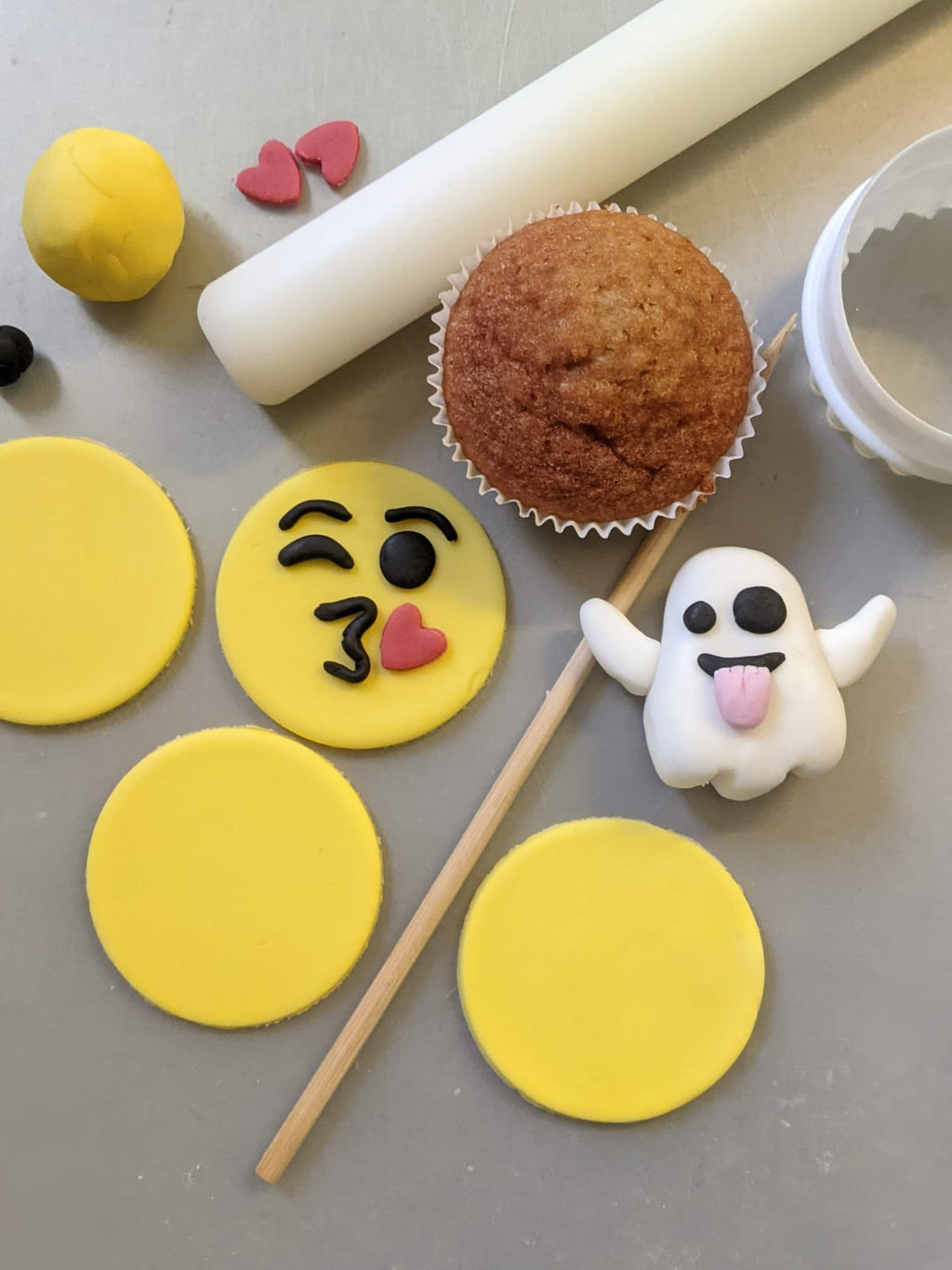 Zoom Cupcake Decorating Class for Kids (Emoji Theme) - SOLD OUT