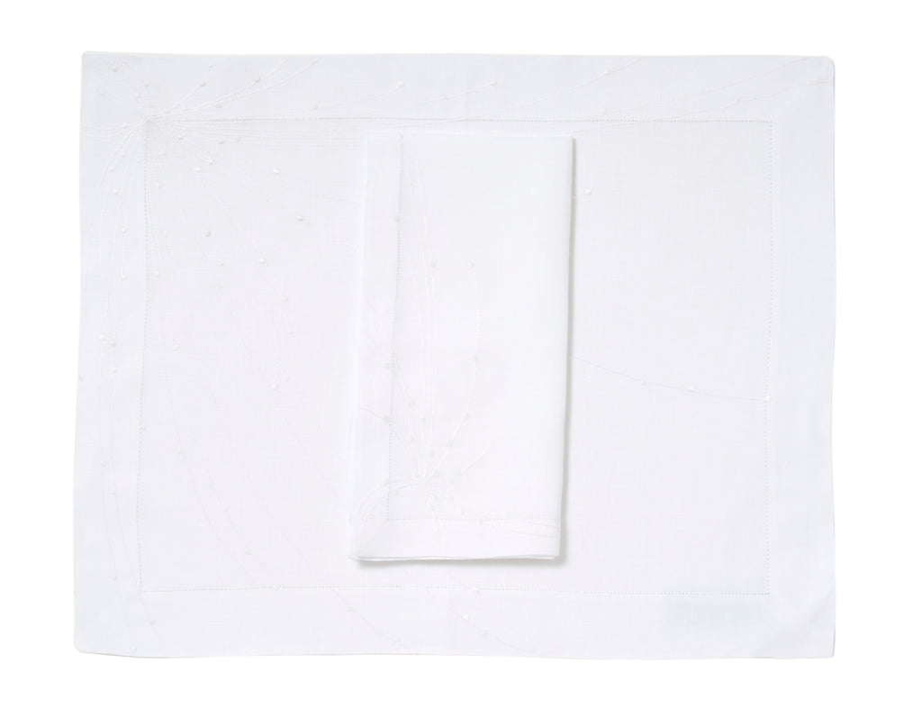 Aphelie White Placemat/Napkin Set