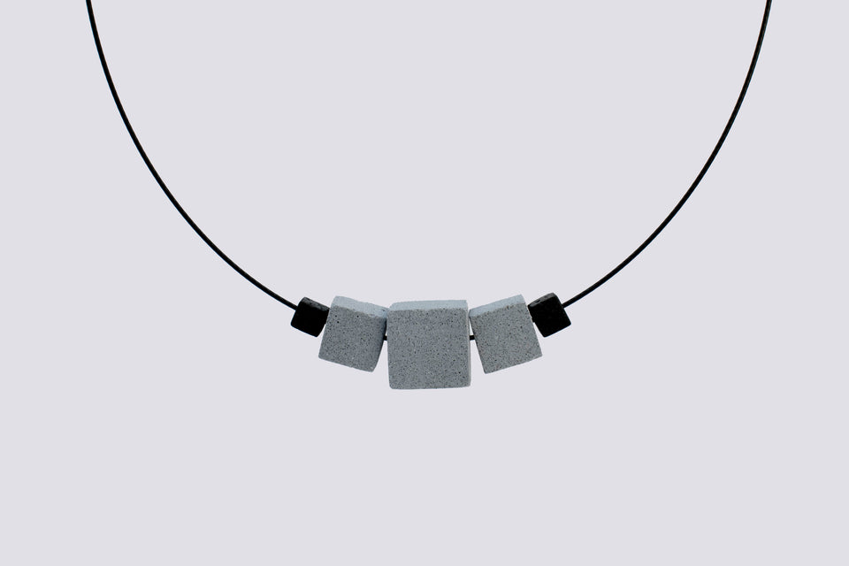 Concrete necklace QUADRO