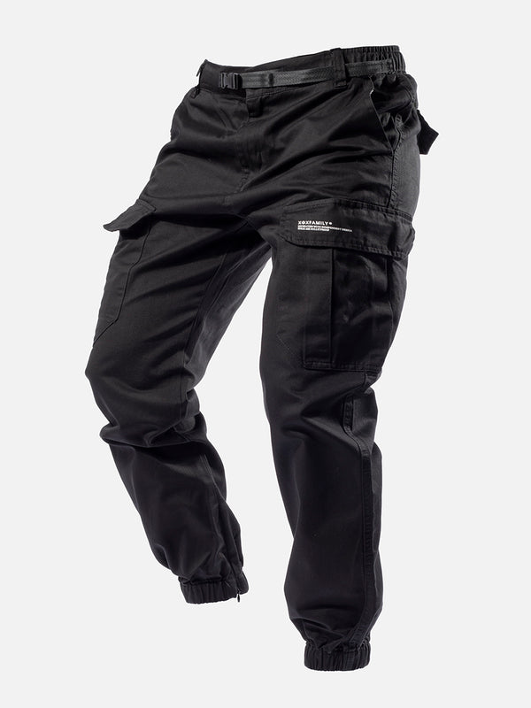 Blacktailor C10 Cargo Pants in black color model image 1
