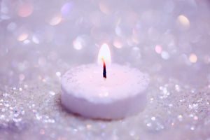Burning candle - sparkling candle - Karma Series: The Great Law - ILYNSI Yoga - Karma