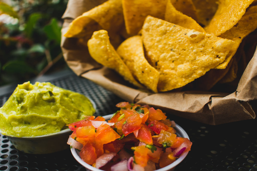 Guacamole and chips - healthy foodie - ILYNSI Yoga