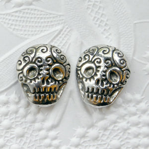 Green Girl Studios_Sugar Skull Button_Fine Pewter