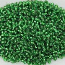 15/0 Miyuki #16 Seed Beads_Silver Lined Green_9 grams