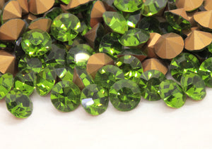 6) SS39 or 8mm Vintage Preciosa Crystal Optima Chatons_Olivine Gold Foil Back