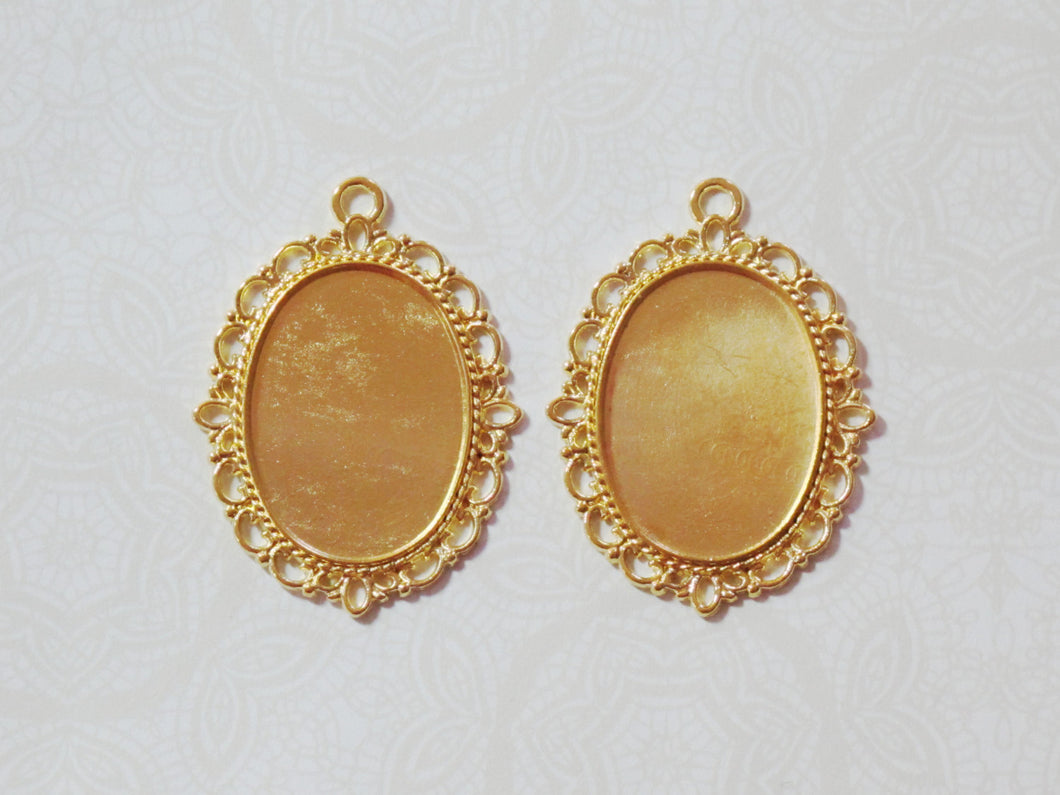 Gold Filigree Resin Bezels_Fits a 25x18mm Cabochon