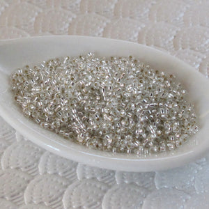15/0 Japanese Seed Beads_Silver Lined Clear_8 Grams