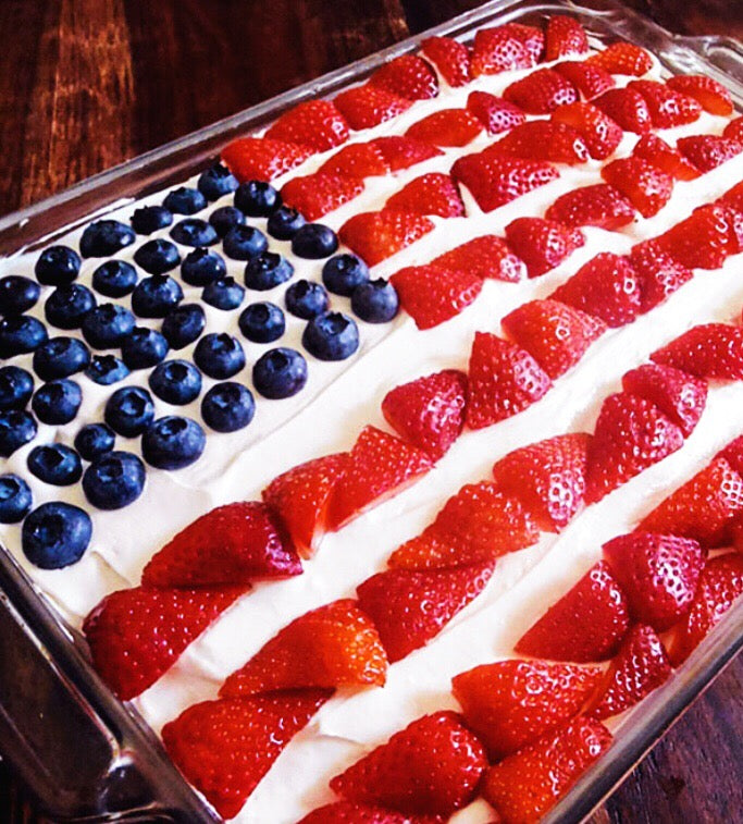 Stars and Stripes Cake. So Cute and Delicious!