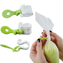 Load image into Gallery viewer, 3pcs/set Plastic Icing Piping Bags Buckles - Kaya Kitchen