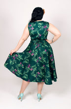 Green Tropical Print Vintage Inspired Full Circle Dress - Curvique Vintage