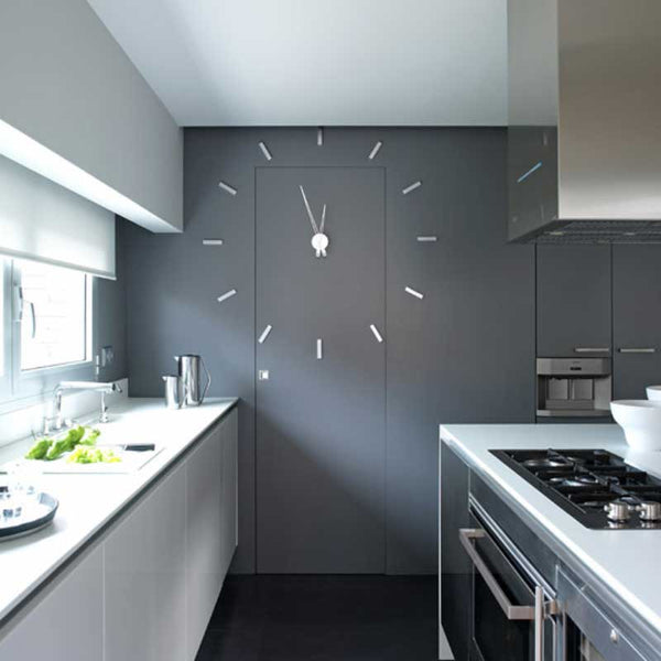 tacon wall clock with 4 or 12 hour elements
