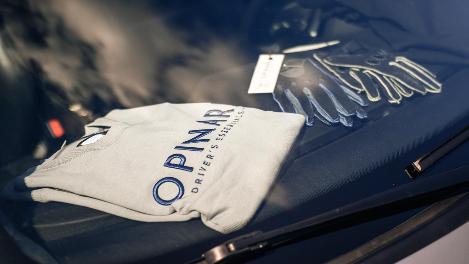 OPINARI classic sweater blue on grey