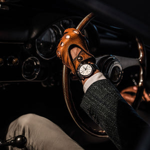Brown men's driving gloves Aston Martin