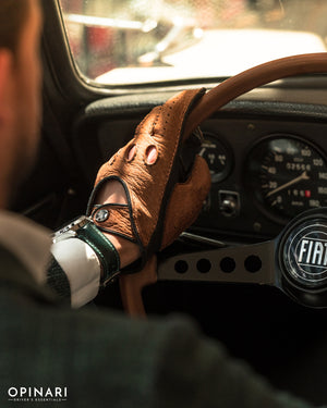 Brown classic driving gloves