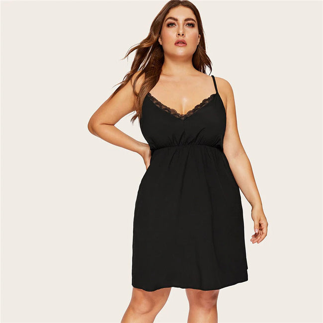 Plus Size Black Contrast Lace Nightdress
