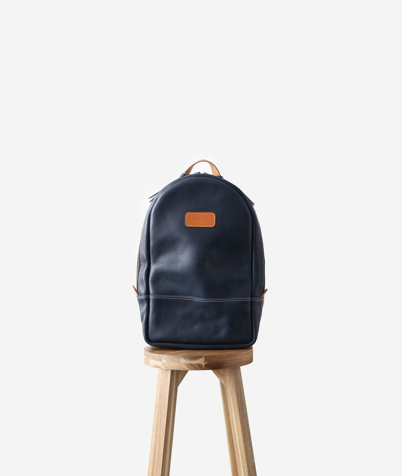BOULEVARD EAST BARREL BAG