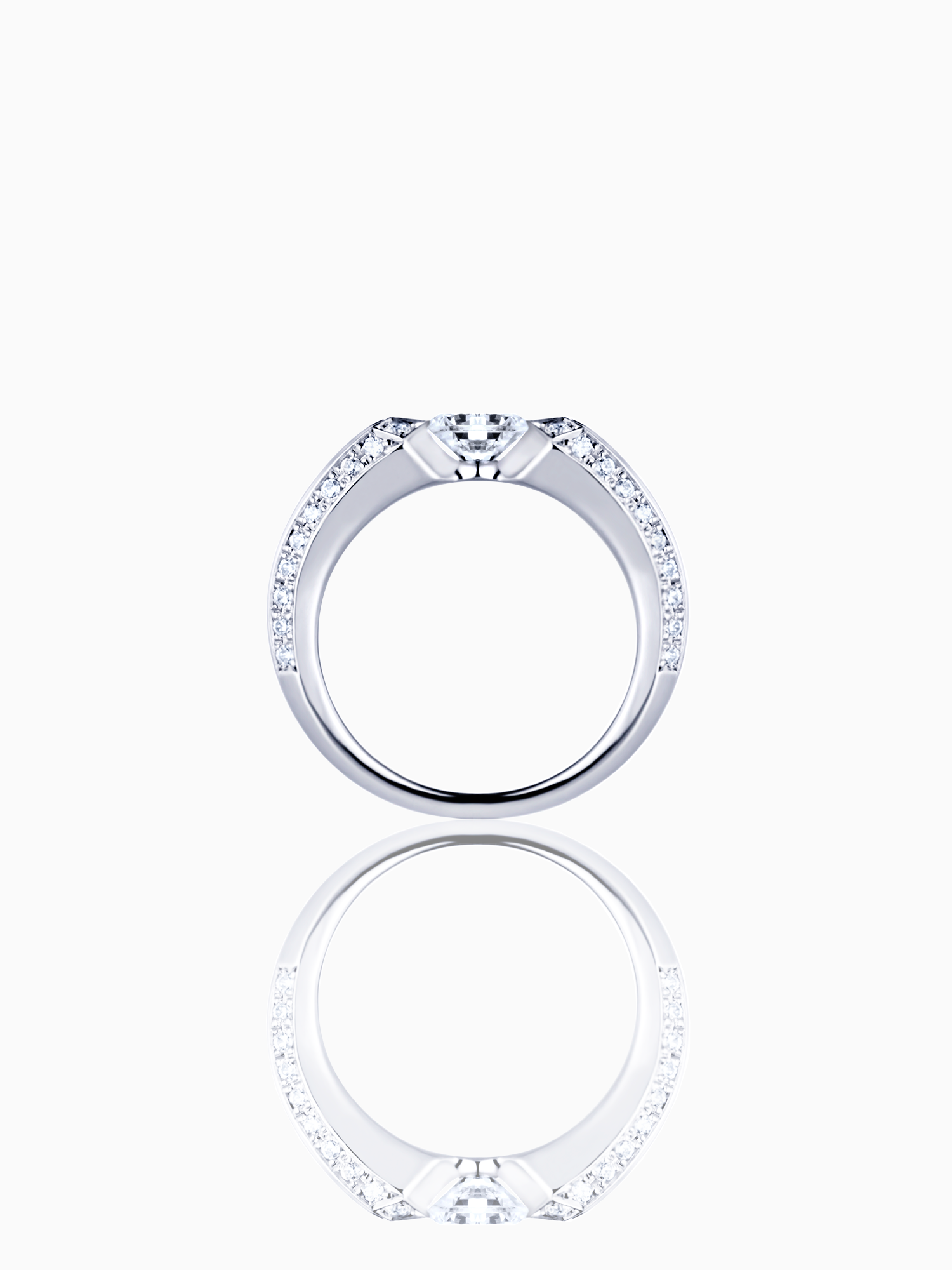 Crious / Engagement Ring / Diamond