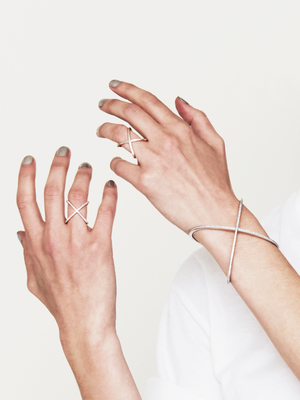 MOBIUS | BANGLE  | DIAMOND