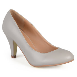 Brinley Co. Womens Matte Finish Classic Pumps